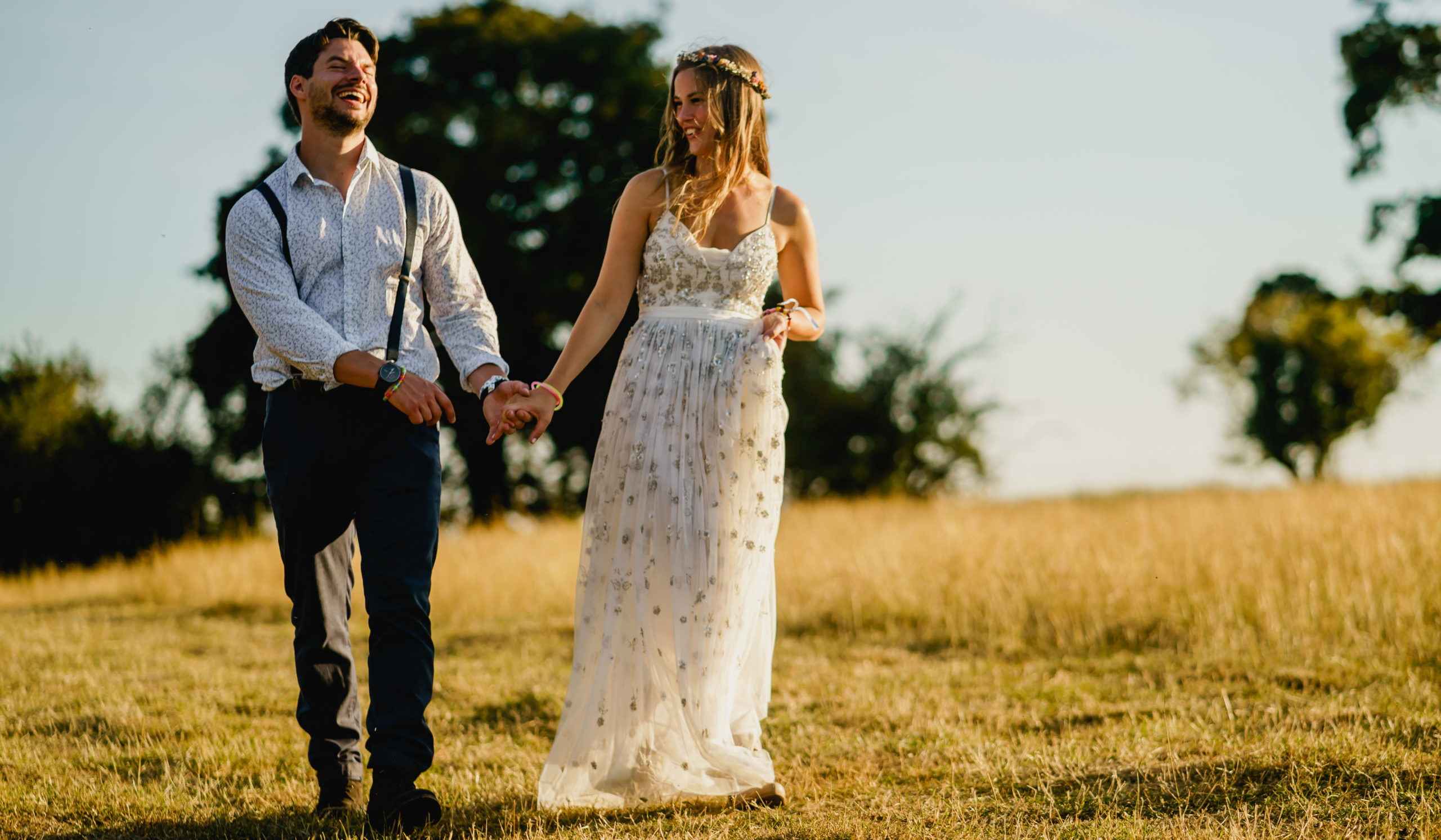 BACK GARDEN FESTIVAL WEDDING – MELTON MOWBRAY, LEICESTERSHIRE